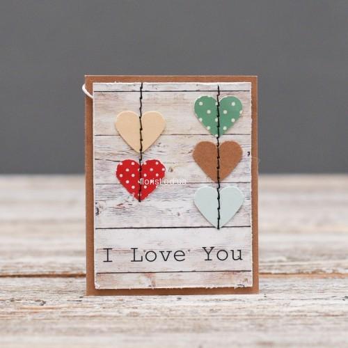 Мини открытка с сердечками  Я люблю тебя