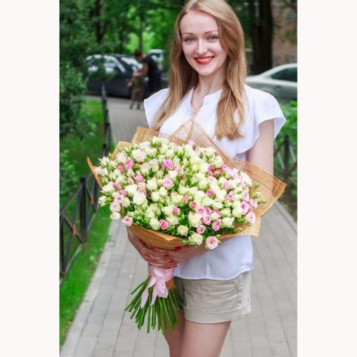 51 ветка кустовой розы
