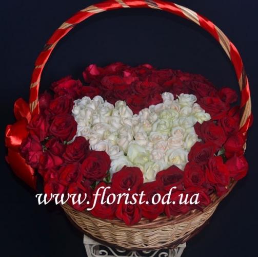 Корзина с розами Марго