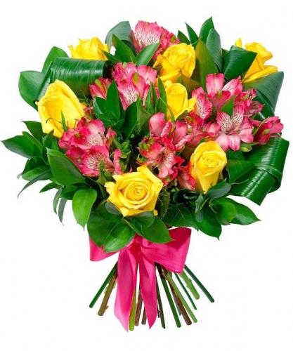 букет из желтых роз и альстромерии Миледи