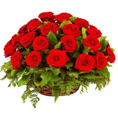 Корзина красных роз Любви порыв
