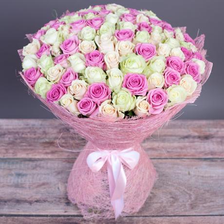 Большой букет из 101 розы «Нежный»