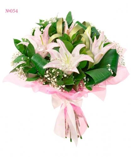 Букет из цветов лилии