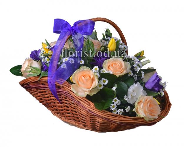 Корзина ярких цветов Великолепие
