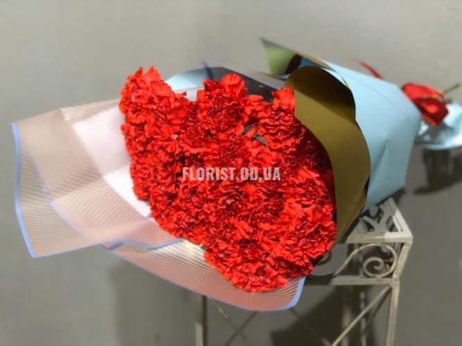 Букет из 25 красных гвоздик